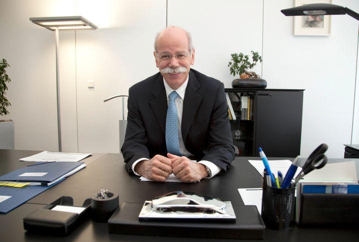 Dieter Zetsche in seinem Büro