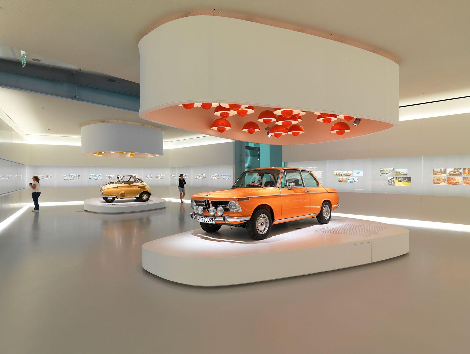 Stufenheck-Limousinen/ BMW 2002 TII/ 1966 (Kopie)