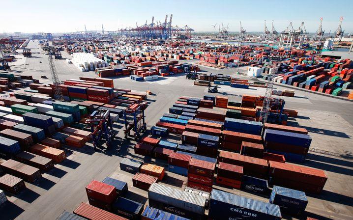 Hamburger Hafen: Europa exportiert vor allem Deflation