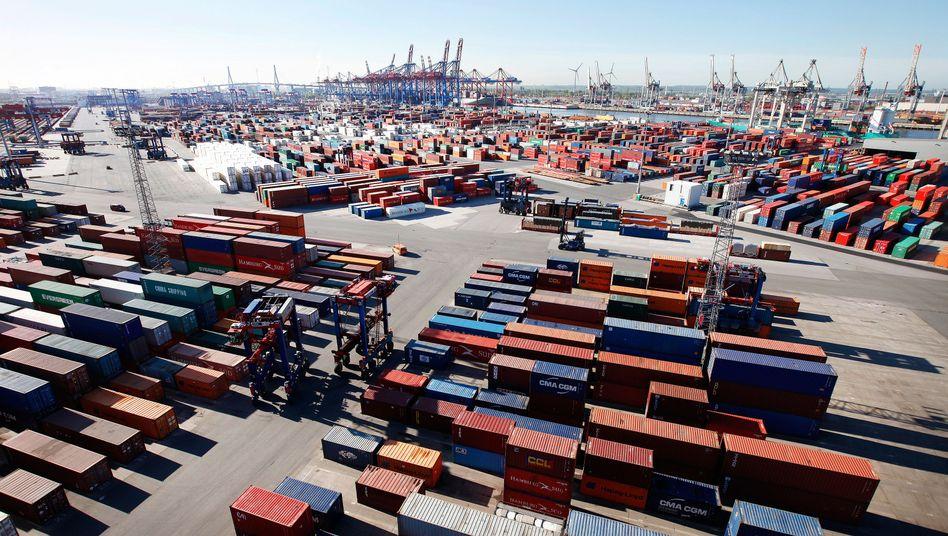 Container im Hamburger Hafen: Tausende P&R-Kunden verlieren mit den Stahlboxen wohl viel Geld.
