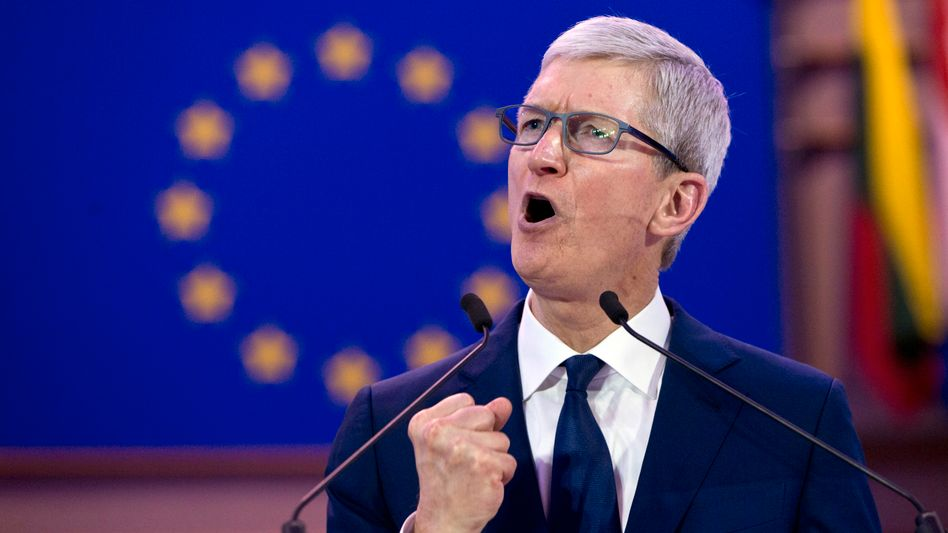Apple-CEO Tim Cook spricht im Oktober 2018 im Europäischen Parlament in Brüssel