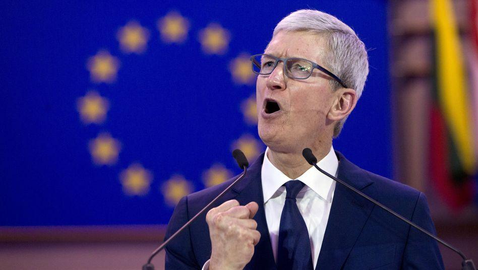 Apple-Chef Tim Cook gab in Brüssel nicht nur den Datenschützer