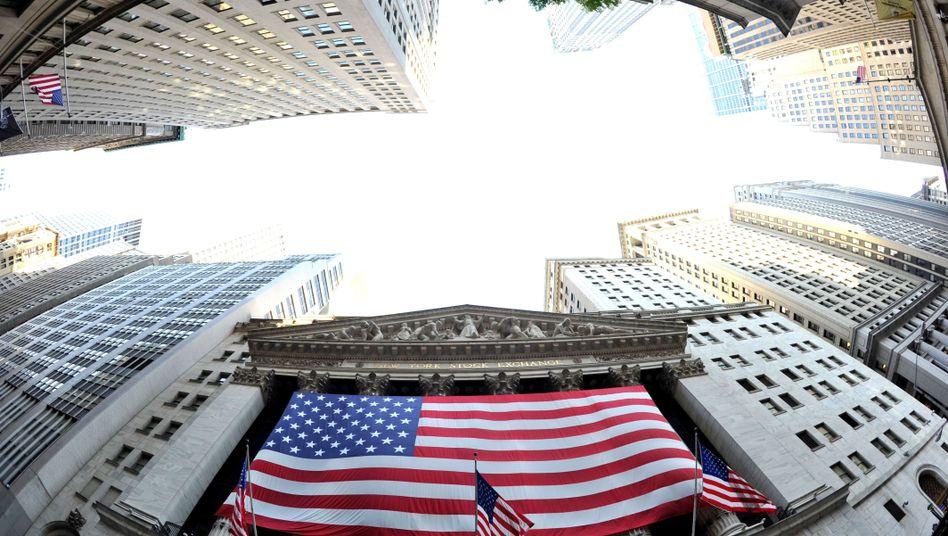 Aktion über der Wall Street: Lucy Nobbe wollte das Flugzeug über Washington kreisen lassen, was aber angesichts des eingeschränkten Luftraums nicht möglich war