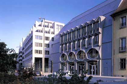 Langhof-Gebäude: Sitz der Berliner Wasser-Holding
