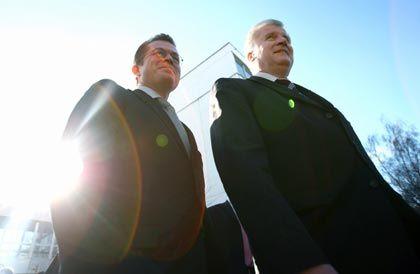 Auf dem Weg nach Berlin: CSU-Parteichef Horst Seehofer stellte seinen Schützling Karl-Theodor zu Guttenberg am Montag vor