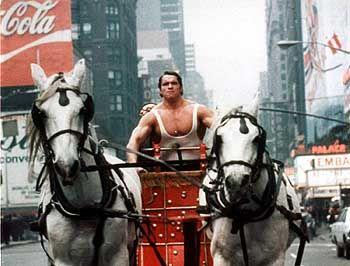 """Arnold Schwarzenegger in """"Hercules in New York"""" (1970). Niemand weiß, ob ihm seine ersten Karrierejahre schaden oder nützen werden."""