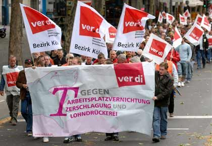 Protest: Telekom-Mitarbeiter wollen nicht für weniger Geld auch noch länger arbeiten