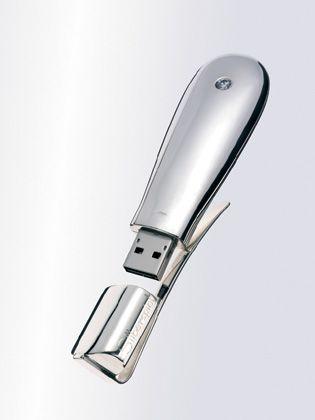 USB-Speicher, ab 950 Euro, www.silberspiel.de