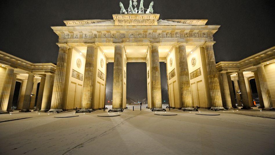 Etwas stabilere Finanzen: Trotz Milliardenlöchern bei manchen Kommunen und Ländern erreichte Deutschland in der ersten Jahreshälfte einen gesamtstaatlichen Überschuss