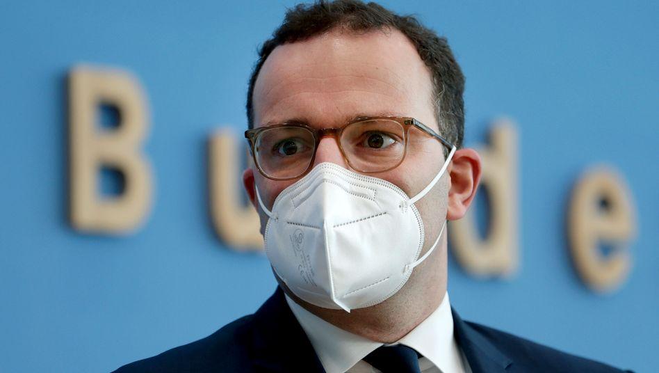 """Bundesgesundheitsminister Jens Spahn drängt """"sehr sehr stark darauf"""", dass die EU einen Liefervertrag mit BioNTech und Pfizer über einen möglichen Corona-Impfstoff schließt"""