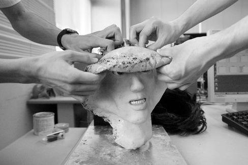 Angst vor Gesichtsverlust: Die Nachahmung menschlicher Mimik zählt zu den schwierigsten Anforderungen beim Roboterbau