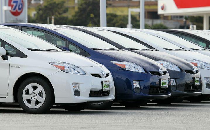 Hybrid-Oldtimer des Typs Toyota Prius: Die skurrilen Fahrzeuge erzielen hohe Preise auf Auktionen