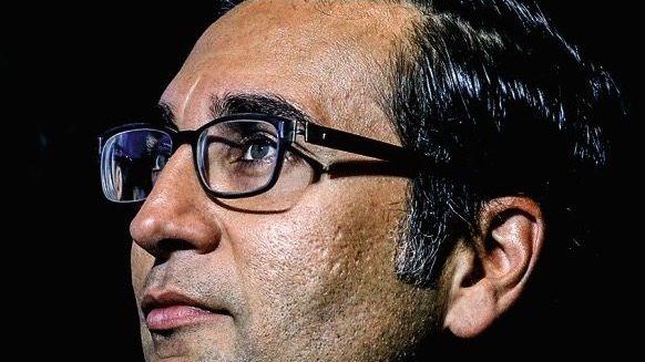 Beschattet und bedrängt: Starbanker Iqbal Khan.