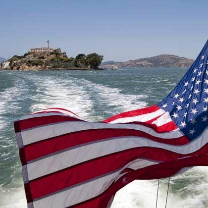 Umweltfreundlich um Alcatraz: Touren rund um die Gefängnisinsel sind seit dem Frühjahr auch mit der ersten Hybridantriebs-Fähre in den USA möglich