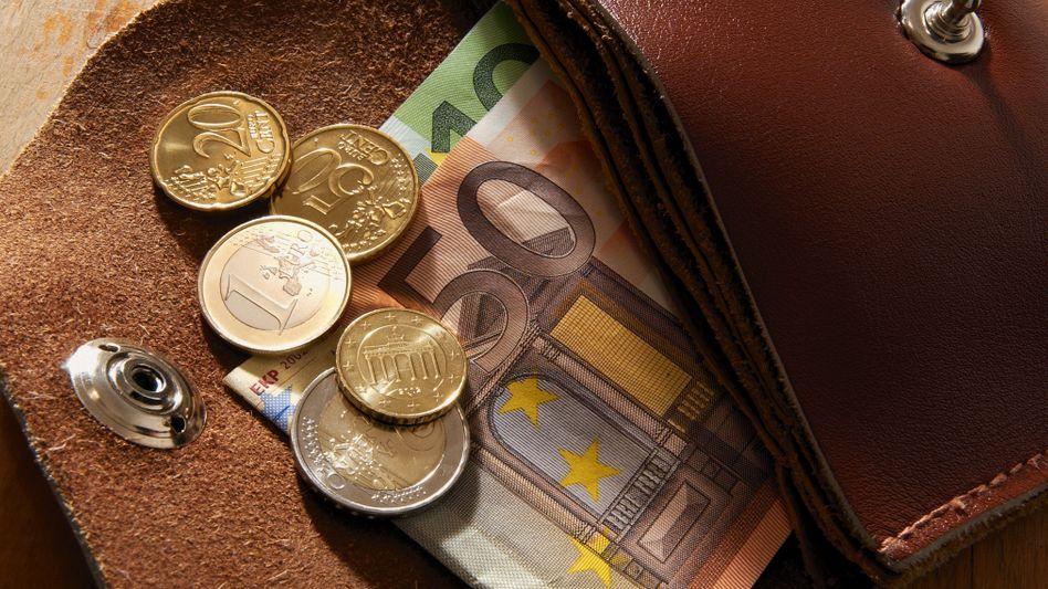 Weniger Geld im Portemonnaie: Auf Arbeitnehmer kommen höhere Abgaben zu