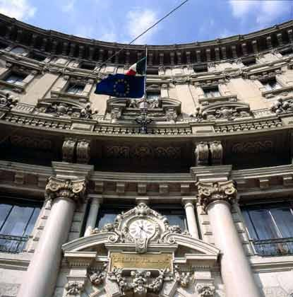 UniCredito in Mailand: Warten auf die Due Diligence