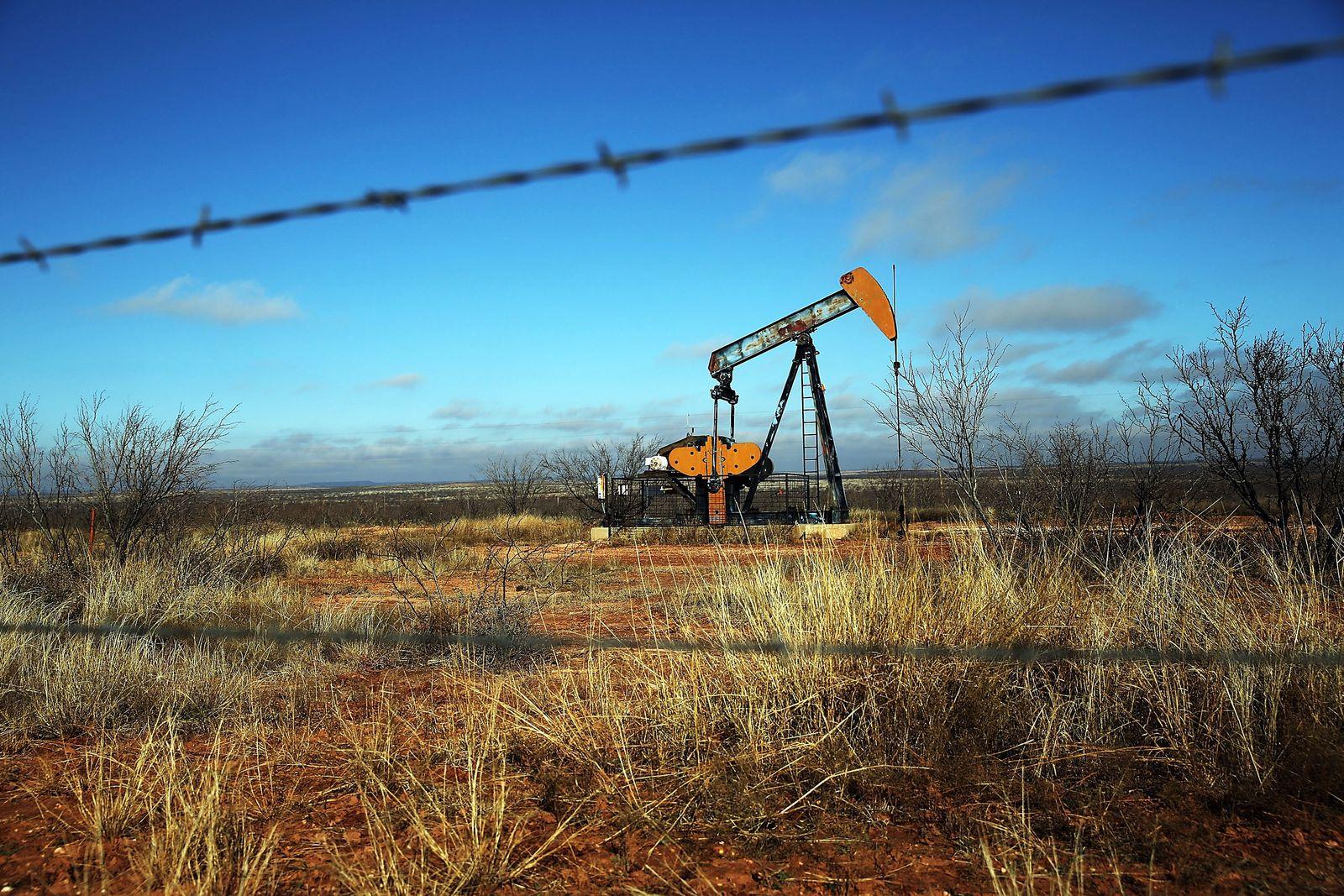 Öl / Ölpreis / Ölförderung / Pumpe /
