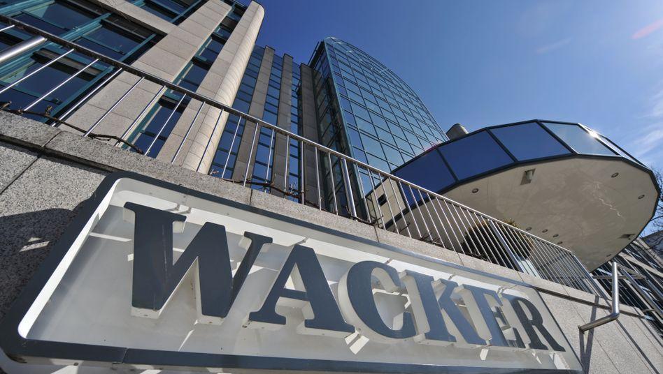 Wacker-Chemie-Zentrale in München: Dem Unternehmen macht der Preisverfall im Solar- und Halbleitergeschäft zu schaffen