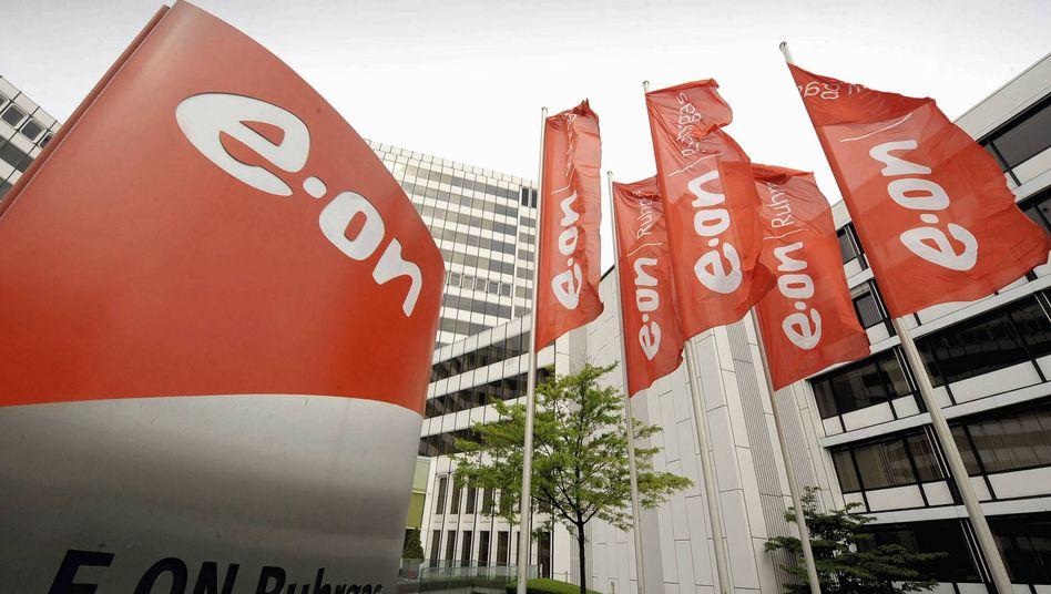 Zentrale von Eon Ruhrgas in Essen: In Deutschland wird gespart, in Portugal will der Energiekonzern zukaufen
