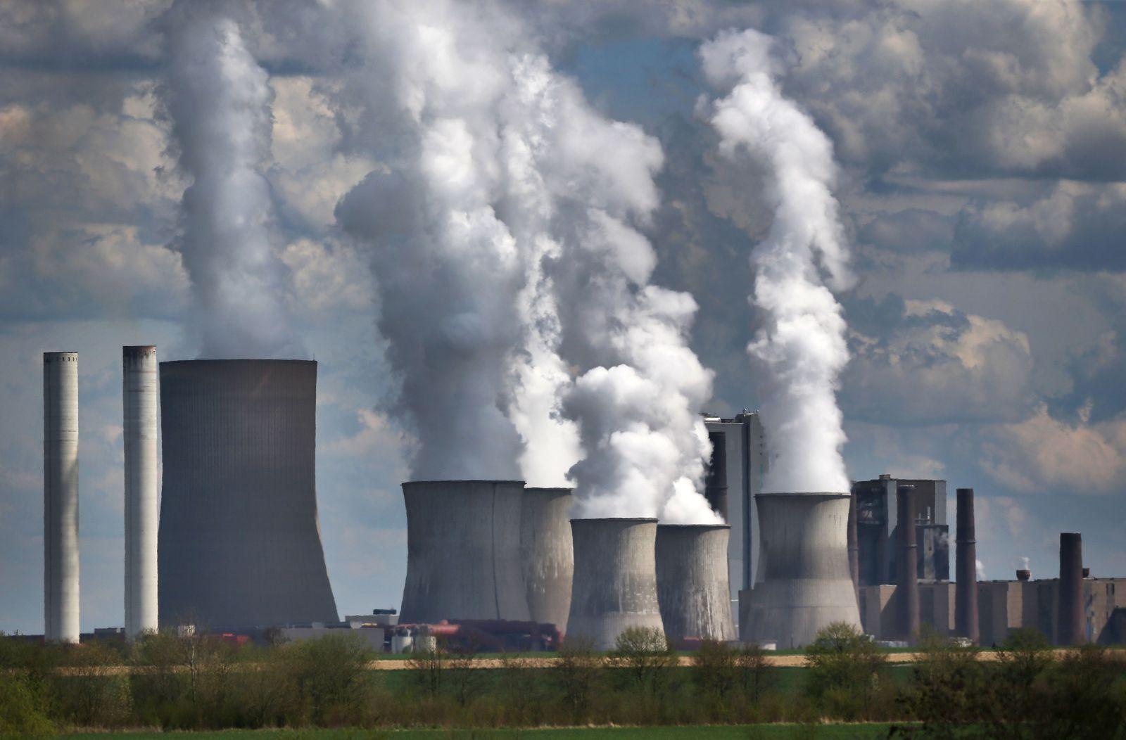 Klimaschutzplan/ Kohlekraftwerk/ Rauch