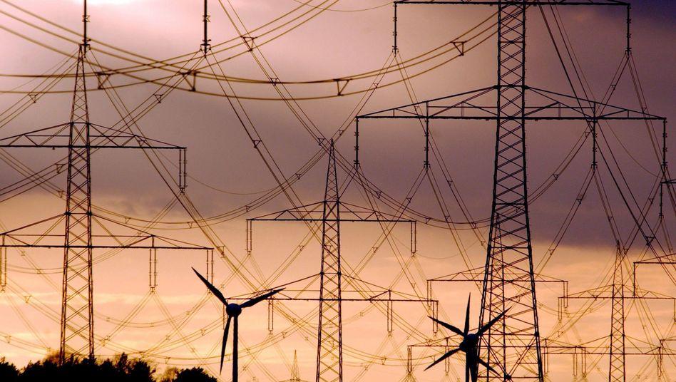 Strommasten und Windräder: Höhere Preise möglich