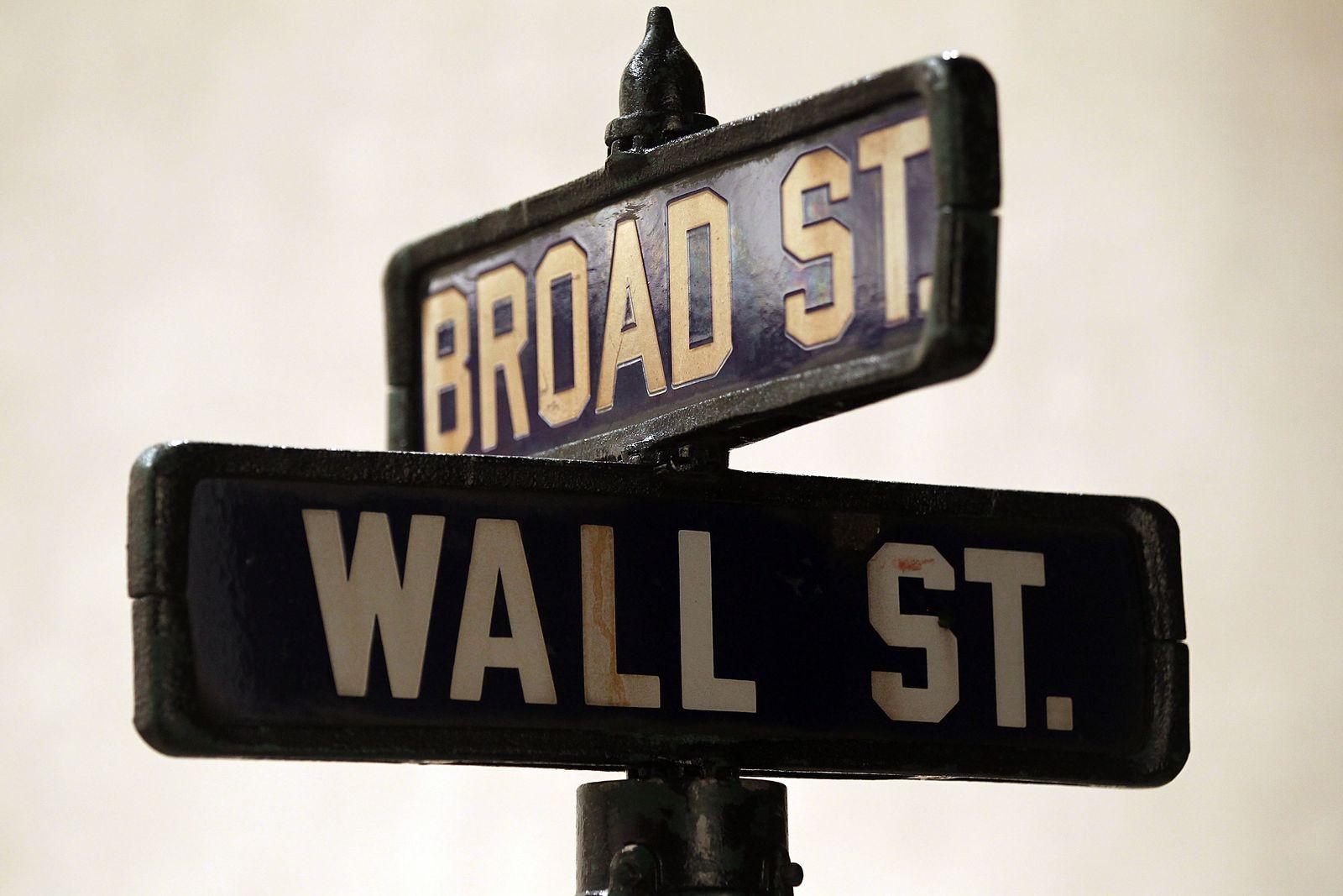 Christie's/ Wall-Street-Schild