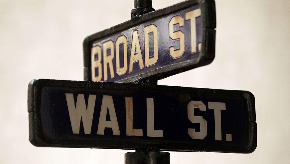 Auf dem Weg aus der Krise: Banker-Gehäter in New York steigen teils deutlich