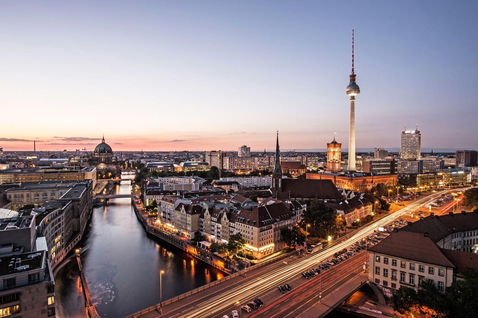 Deutschland / Berlin / Konjunktur / Fernsehturm / Wirtschaft (Kopie)