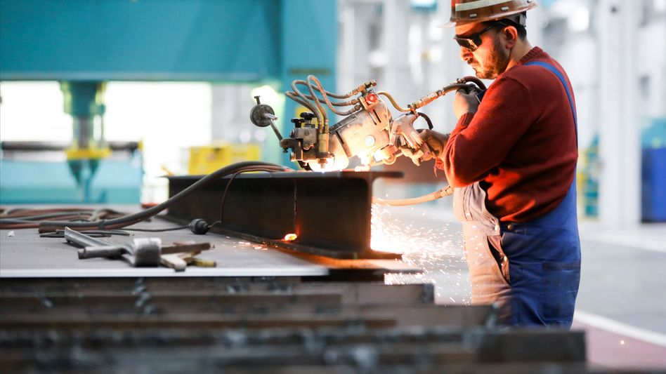 Industrie: Unternehmen streichen Arbeitsplätze