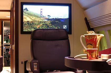 42-Zoll-Plasma-Monitor: Fernsehempfang über den Wolken ist seit fünf Jahren möglich