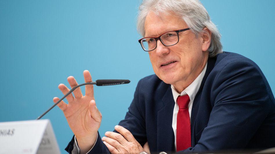 """""""Finanziell angemessen"""": Berlins Finanzsenator Matthias Kollatz präsentiert den Netz-Deal"""