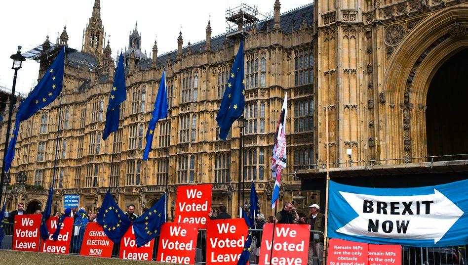 In diesen Tagen wird vor dem britischen Parlament heftig demonstriert - für und gegen den Brexit