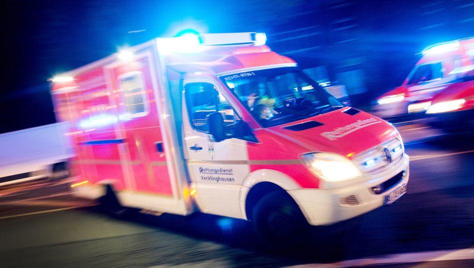 Rettungseinsatz: Viele Mitarbeiter stehen außerhalb ihrer üblichen Arbeitszeit zur Verfügung, um einzuspringen, wenn Not am Mann ist