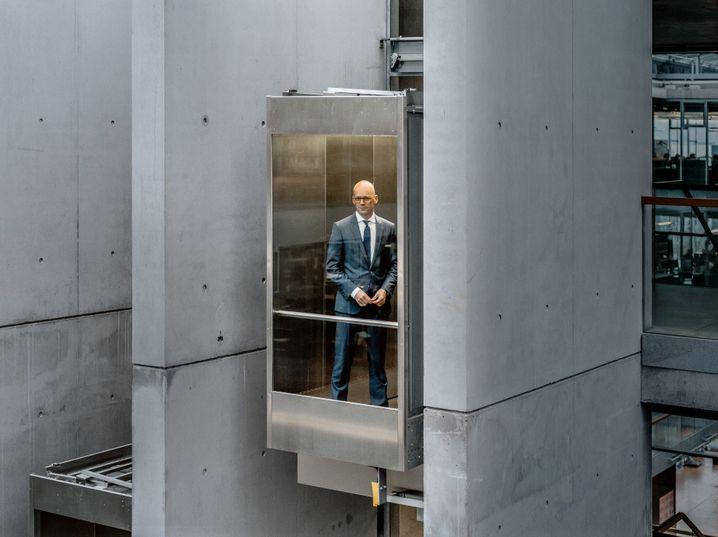 Der Boss-Boss: Mark Langer braucht dringend eine rettende Idee.