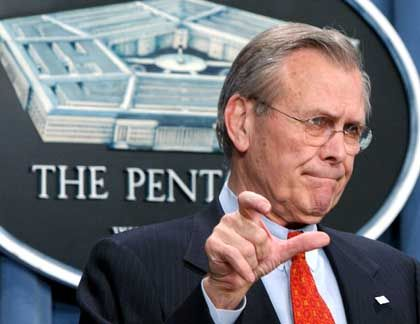 Bittere Neuigkeit: US-Verteidigungsminister Donald Rumsfeld