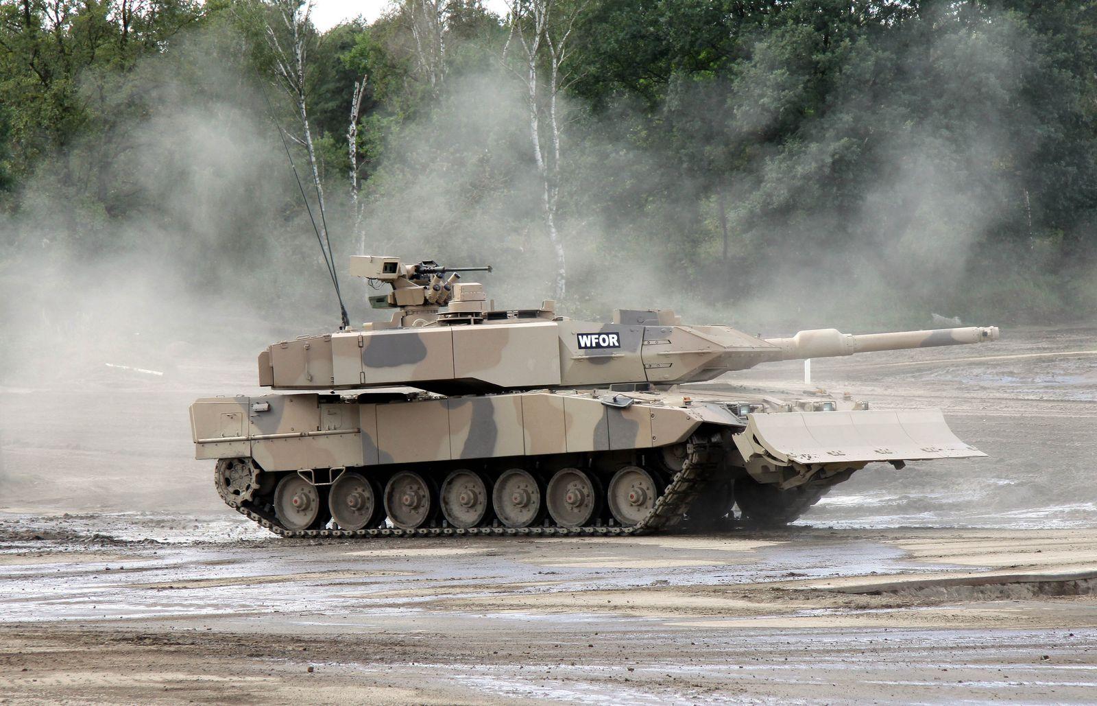 Rüstung/ Golf/ Leopard 2