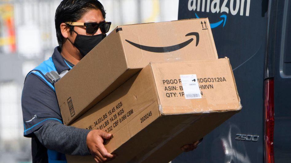 Viel zu packen: Amazon-Lieferant in Kalifornien