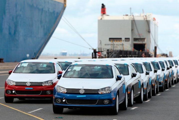 Zum Export bereite Volkswagen in Emden: Zu irgendwas muss der Nordseehafen doch gut sein