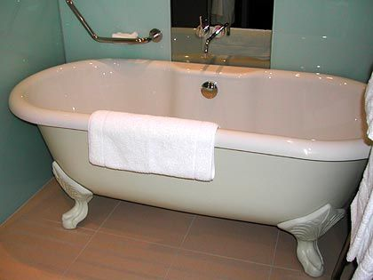Badezimmer:: Freistehende Wanne im viktorianischen Stil