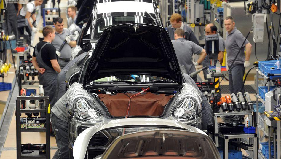 Der Stress hat zugenommen: Porsche-Monteure arbeiten im Stammwerk Stuttgart-Zuffenhausen künftig eine Stunde weniger