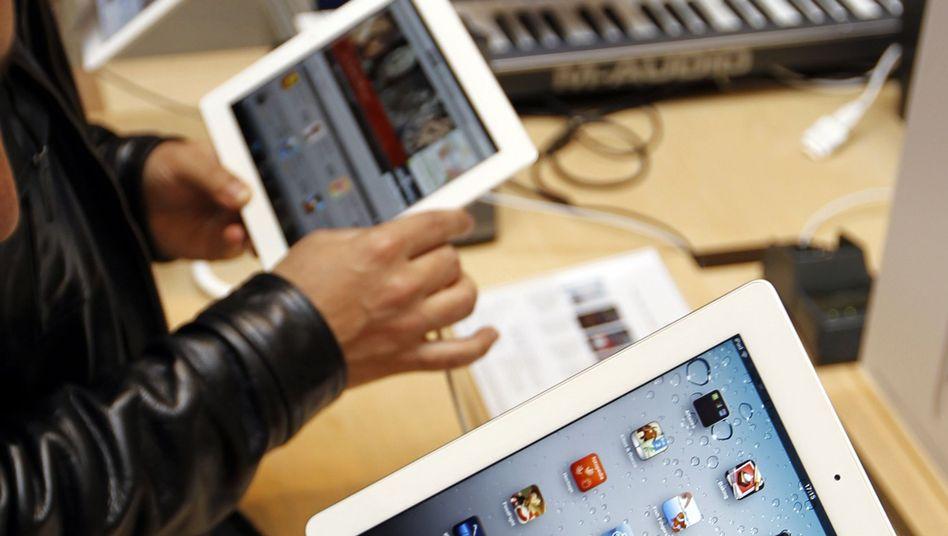 iPad 2: Konkurrenten wie Samsung und Microsoft haben Modelle mit einem größeren Bildschirm auf dem Markt - nun will Apple angeblich Tablets mit einer Bildschirmdiagonale von 32 cm anbieten