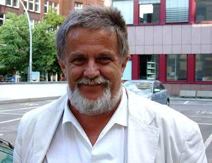 """""""Sie versuchen zusehends, aus einer Lebensversicherung ein Investmentbanking-Produkt zu machen"""": Experte Manfred Poweleit, Herausgeber des namhaften Branchendienstes Map-Report, beobachtet und analysiert die Branche seit 25 Jahren."""