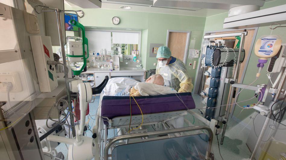 Notlage: Covid-Patient in der Asklepios Klinik im bayerischen Gauting.