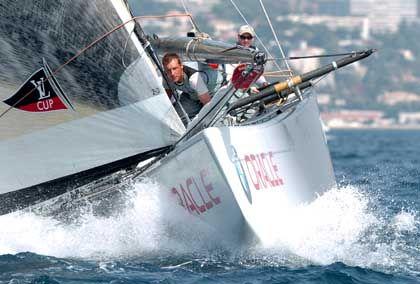 BMW Oracle Racing: Oracle-Chef Lary Ellison hat ein Menge Segelprofis um sich gescharrt. Frage ist, ob die Alphatiere sich nicht gegenseitig zerfleischen.