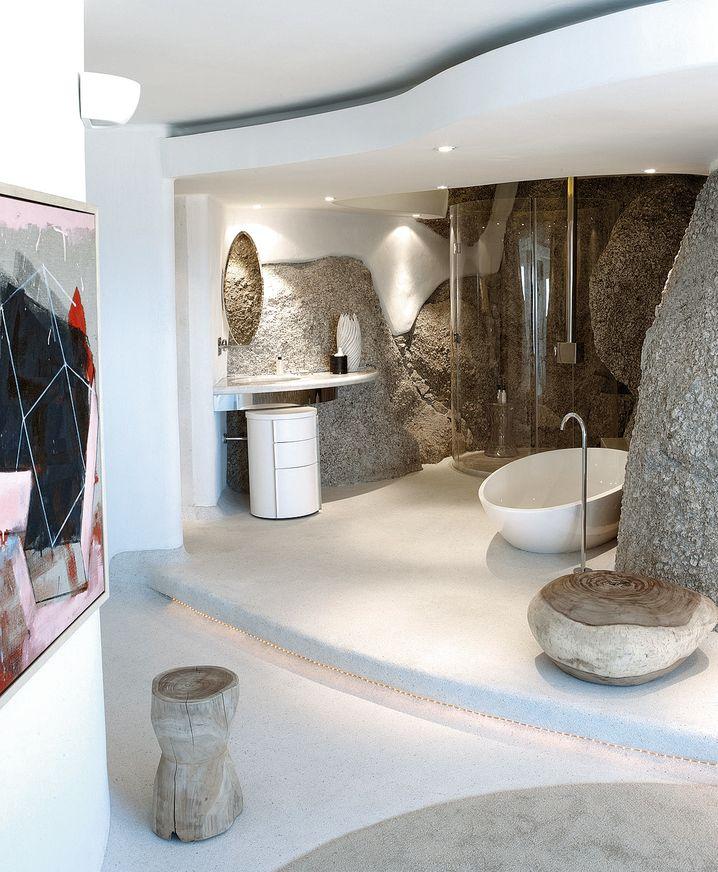 Das Haus steht auf einem freigelegten Felsen