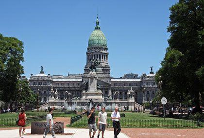 Das Vorbild steht in Washington: Das Parlamentsgebäude in Buenos Aires ist dem US-Kongress nachempfunden
