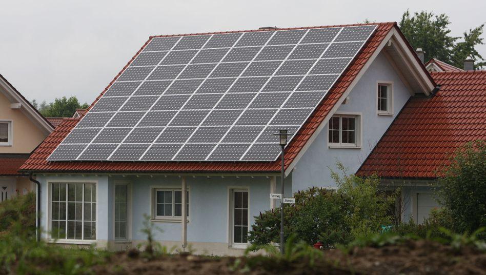 Haus mit Sonnenkollektoren: Die Firma S.A.G. Solarstrom ist insolvent