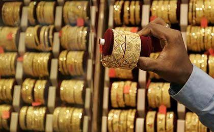 Goldhandel in Malaysia: Das Land bleibt auf der schwarzen Liste der unkooperativen Staaten. Kritiker halten die neuen Listen für Augenwischerei
