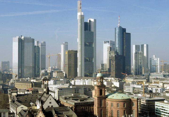 Heimvorteil: Ein fester Büroarbeitsplatz kostet Firmen in Frankfurt am Main mehr als 15.000 Euro pro Jahr