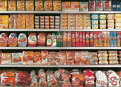 Ausbaufähig: Immer mehr Firmen konzentrieren sich auf profitable Fertigprodukte wie Schinken oder Pizza